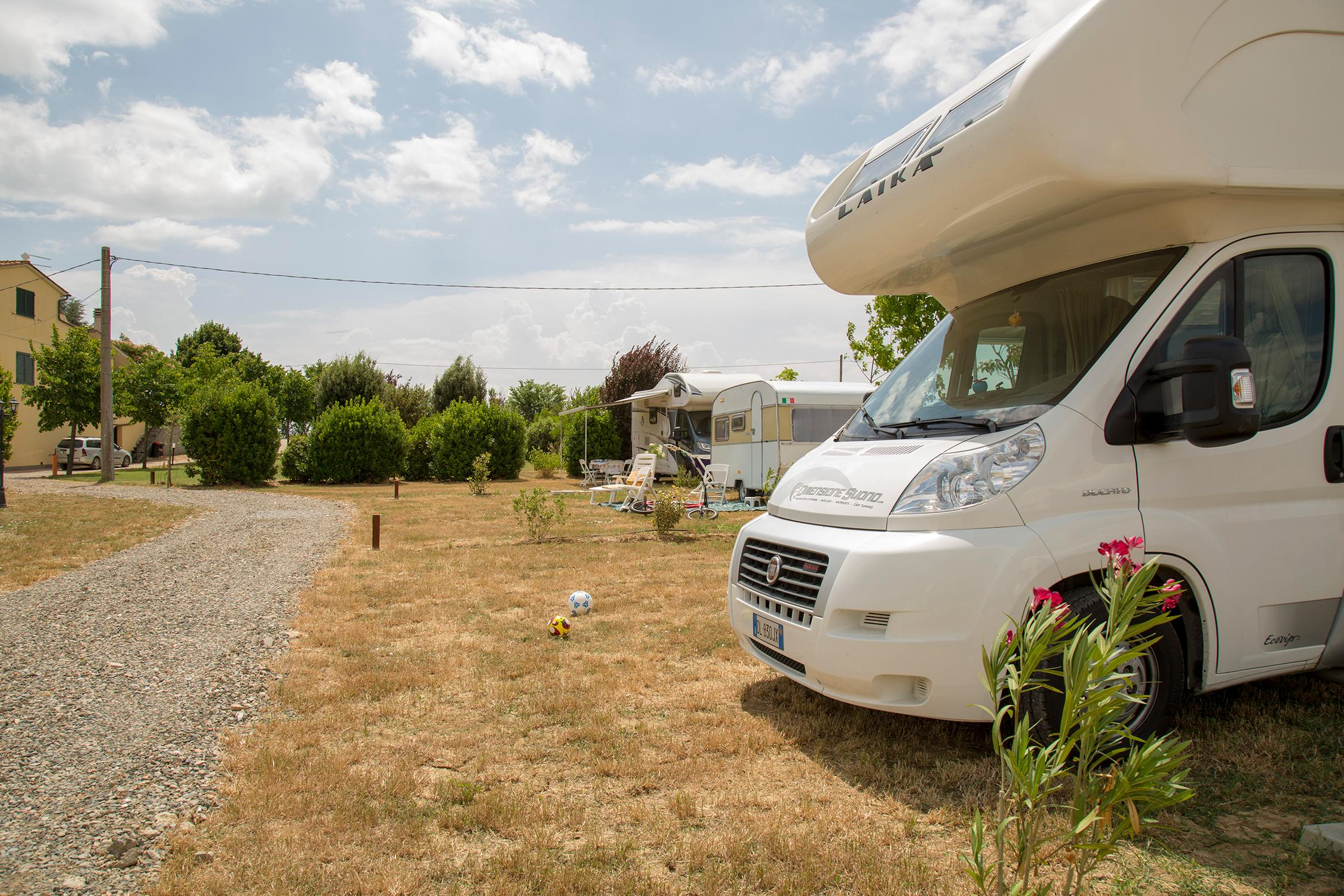 Parking areas for campers, trailers and caravans. Campsite in Cortona, Tuscany