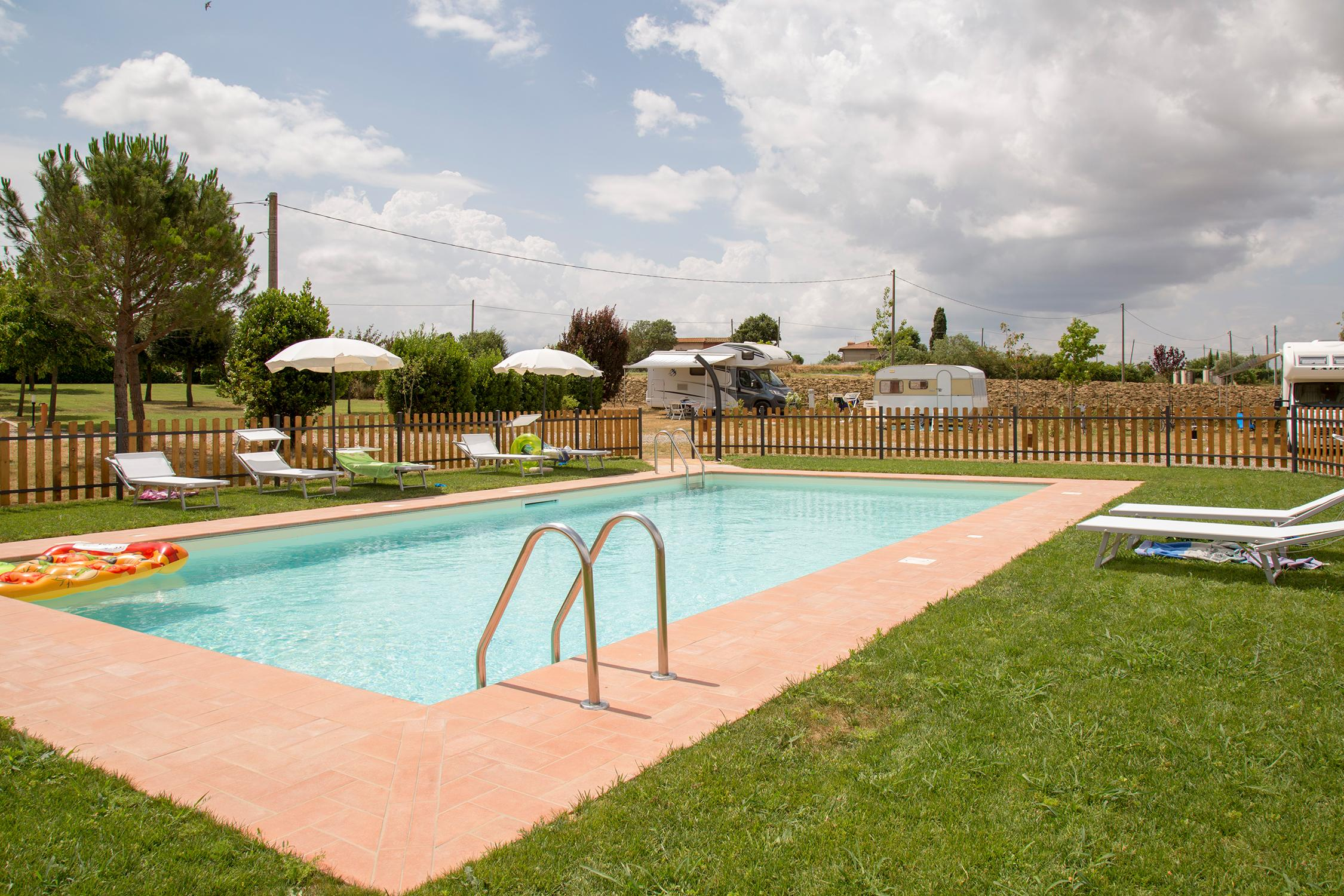 Campsite with swimming pool in Cortona | Farm camping in Tuscany